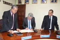 Câmara Macabu empossa Vice-Prefeito interinamente