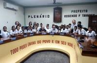 Câmara Macabu recebe visita de alunos da rede municipal de ensino