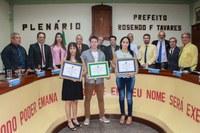 Médicos cubanos são homenageados pela Câmara de Vereadores de Conceição de Macabu