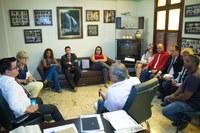 Membros da comissão de Defesa do Consumidor da Câmara se reúnem com representante do Detro