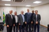 Parlamentares acompanham Prefeito e Vice em visita à capital federal