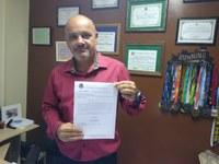 Vereador Barcelos Resina cobra regularização da emissão de carteira de trabalho em Macabu