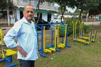 Vereador Guta acompanha obras de implantação de academia ao ar livre