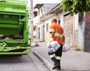 Vereadora Nathália Braga sugere o uso de EPIs por coletores de lixo em Conceição de Macabu